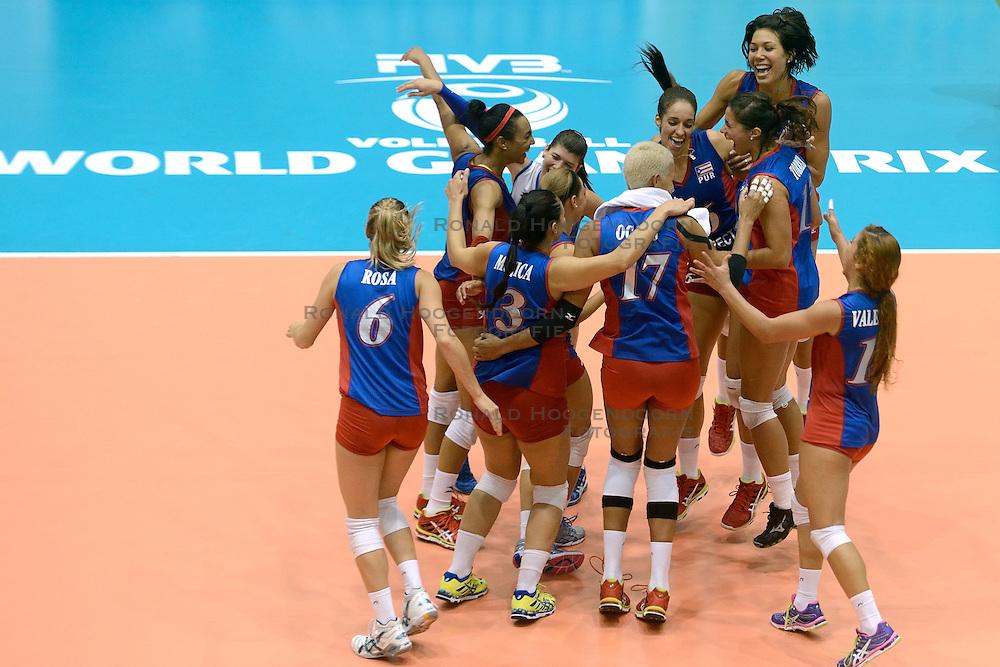 08-08-2014 NED: FIVB Grand Prix Nederland - Puerto Rico, Doetinchem<br /> Vreugde bij Puerto Rico