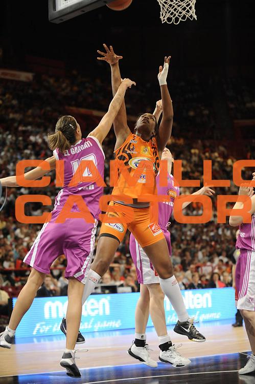 DESCRIZIONE : Coupe de France Finale Femme Bourges Tarbes<br /> GIOCATORE : Miyem Endene<br /> SQUADRA : Bourges<br /> EVENTO : FRANCE Coupe de France 2009-2010<br /> GARA : Bourges Tarbes<br /> DATA : 16/05/2010<br /> CATEGORIA : Basketball Finale Femme Coupe de France<br /> SPORT : Basketball<br /> AUTORE : JF Molliere par Agenzia Ciamillo-Castoria <br /> Galleria : France Coupe de France 2009-2010 <br /> Fotonotizia : Coupe de France Paris Bercy 2009-2010 Finale Femme Bourges Tarbes <br /> Predefinita :
