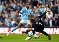 Fotball<br /> Premier League England 2004/2005<br /> Foto: BPI/Digitalsport<br /> NORWAY ONLY<br /> <br /> 25.09.2004<br /> <br /> Manchester City v Arsenal<br /> <br /> Nicolas Anelka has his shot saved by Jens Lehman