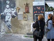 La Madonna con la pistola di Banksy a Napoli