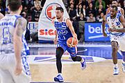 DESCRIZIONE : Beko Legabasket Serie A 2015- 2016 Dinamo Banco di Sardegna Sassari - Acqua Vitasnella Cantu'<br /> GIOCATORE : Roko Ukic<br /> CATEGORIA : Palleggio Contropiede<br /> SQUADRA : Acqua Vitasnella Cantu'<br /> EVENTO : Beko Legabasket Serie A 2015-2016<br /> GARA : Dinamo Banco di Sardegna Sassari - Acqua Vitasnella Cantu'<br /> DATA : 24/01/2016<br /> SPORT : Pallacanestro <br /> AUTORE : Agenzia Ciamillo-Castoria/L.Canu