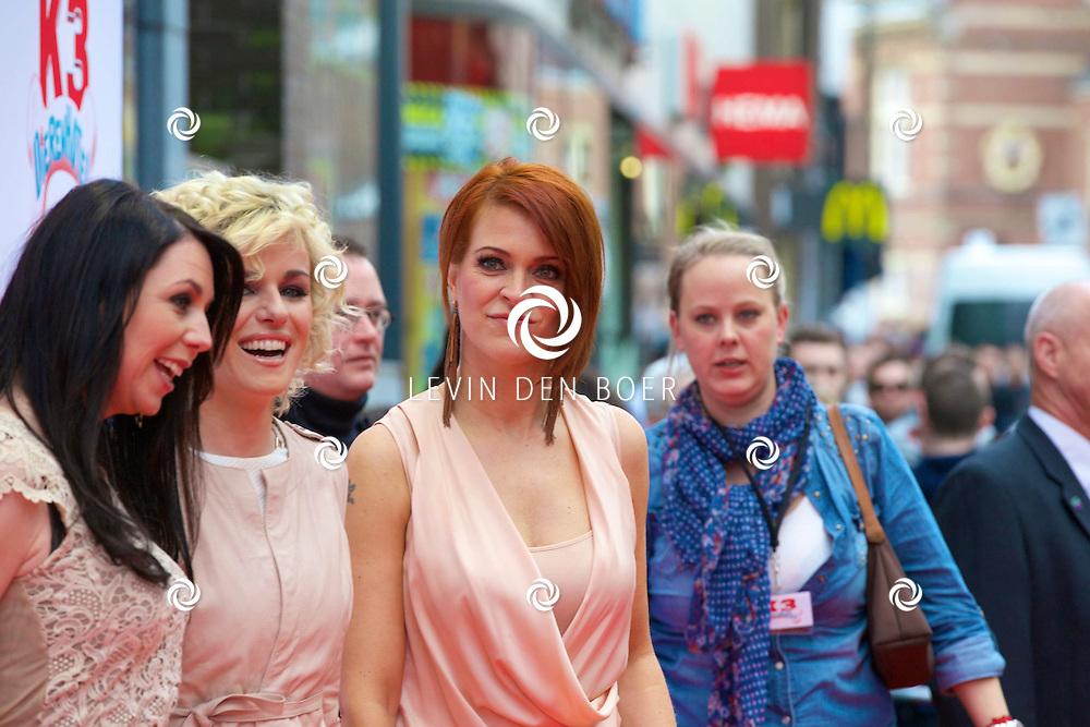 AMSTERDAM - In het tuschinski theater is de nieuwe K3 Film in premiere gegaan. Met hier op de rode loper  de K3 zangeressen Kristel Verbeke, Josje Huisman en Karen Damen. FOTO LEVIN DEN BOER - PERSFOTO.NU