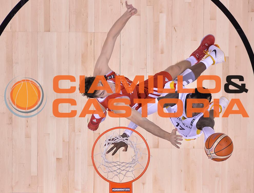 DESCRIZIONE : Berlino Berlin Eurobasket 2015 Group B Germany Turkey<br /> GIOCATORE : Dennis Schr der<br /> CATEGORIA : Tiro<br /> SQUADRA : Germany Turkey<br /> EVENTO : Eurobasket 2015 Group B<br /> GARA : Germany Turkey<br /> DATA : 08/09/2015<br /> SPORT : Pallacanestro<br /> AUTORE : Agenzia Ciamillo-Castoria/r.morgano<br /> Galleria : Eurobasket 2015<br /> Fotonotizia : Berlino Berlin Eurobasket 2015 Group B Germany Turkey