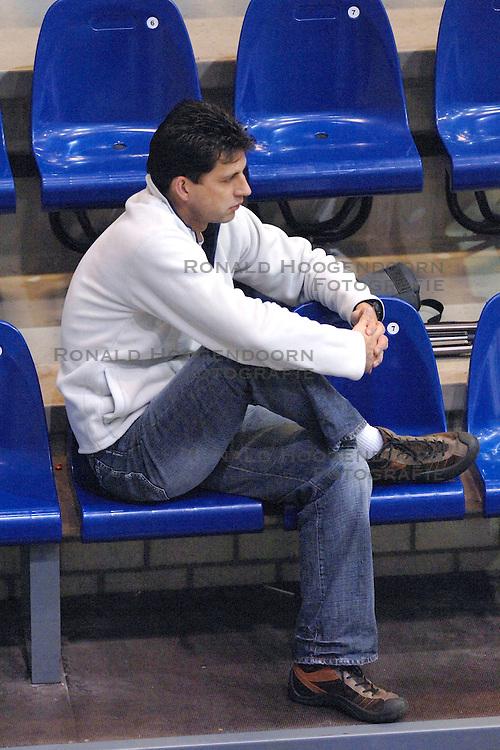 05-03-2006 VOLLEYBAL: FINAL 4 HEREN:  ORION - ORTEC NESSELANDE: ROTTERDAM<br /> In een mooie finale was Nesselande in 3 sets te sterk voor Orion / Arnold van Ree<br /> Copyrights2006-WWW.FOTOHOOGENDOORN.NL