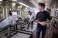 Nederland, Groningen 20150120. Ronald de Bont, master barber van de Zwarte raaf, kapper, barbier , barbershop. foto: Pepijn van den Broeke
