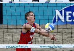 25-08-2006: VOLLEYBAL: NESTEA EUROPEAN CHAMPIONSHIP BEACHVOLLEYBALL: SCHEVENINGEN<br /> Mathijs Mast<br /> ©2006-WWW.FOTOHOOGENDOORN.NL