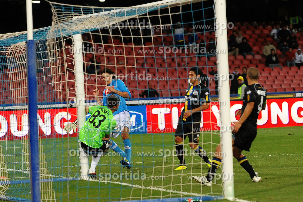 15.10.2011, San Paolo Stadion, Neapel, ITA, Serie A, SSC Neapel vs FC Parma im Bild Palo di Edinson CAVANI Napoli. // during Serie A football match between SSC Neapel and FC Parma at San Paolo Stadium, Naples, Italy on 15/10/2011. EXPA Pictures © 2011, PhotoCredit: EXPA/ InsideFoto/ Andrea Staccioli +++++ ATTENTION - FOR AUSTRIA/(AUT), SLOVENIA/(SLO), SERBIA/(SRB), CROATIA/(CRO), SWISS/(SUI) and SWEDEN/(SWE) CLIENT ONLY +++++