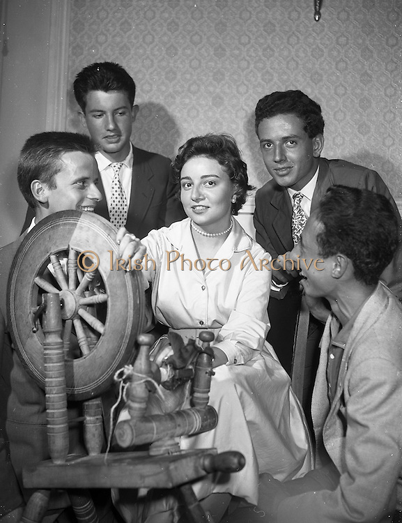 26/08/1959<br /> 08/26/1959<br /> 26 August 1959<br /> Spanish students at a performance of the Gael - Linn Caberet at the Central Hotel, Dublin. After the Irish caberet, 20 year old Seniorita Carmen Soler Bulto of Barcelona, sang a Spanish folk song for the members of the Gael - Linn cabaret. Picture shows her singing surrounded by some of the other Spanish students, Javier Font; Joaquin Ferran; Ramon Saenz - Diez and Santiago Saenz-Diez.