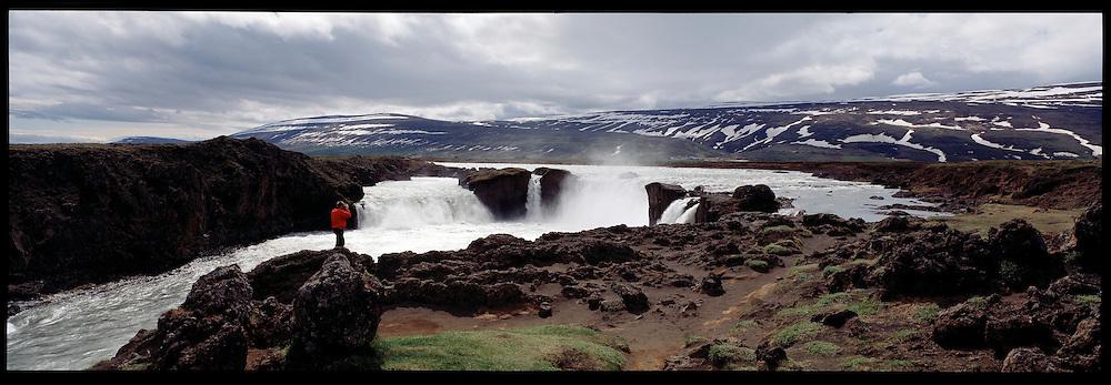 Goðafoss í vorleysingum, Þingeyjarsveit áður Ljósavatnshreppur. /.Godafoss waterfall in spring. Thingeyjarsveit former Ljosavatnshreppur.