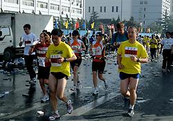 21-10-2007 ATLETIEK: ANA BEIJING MARATHON: BEIJING CHINA<br /> De Beijing Olympic Marathon Experience georganiseerd door NOC NSF en ATP is een groot succes geworden / 144 en 145<br /> ©2007-WWW.FOTOHOOGENDOORN.NL