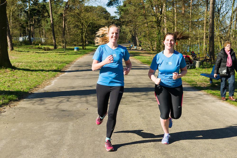 Nederland, Vught, 20150418.<br /> De laatste dag van Start-to-Run in Vught.<br /> De 3 km loop<br /> Loopschool Wim Akkermans