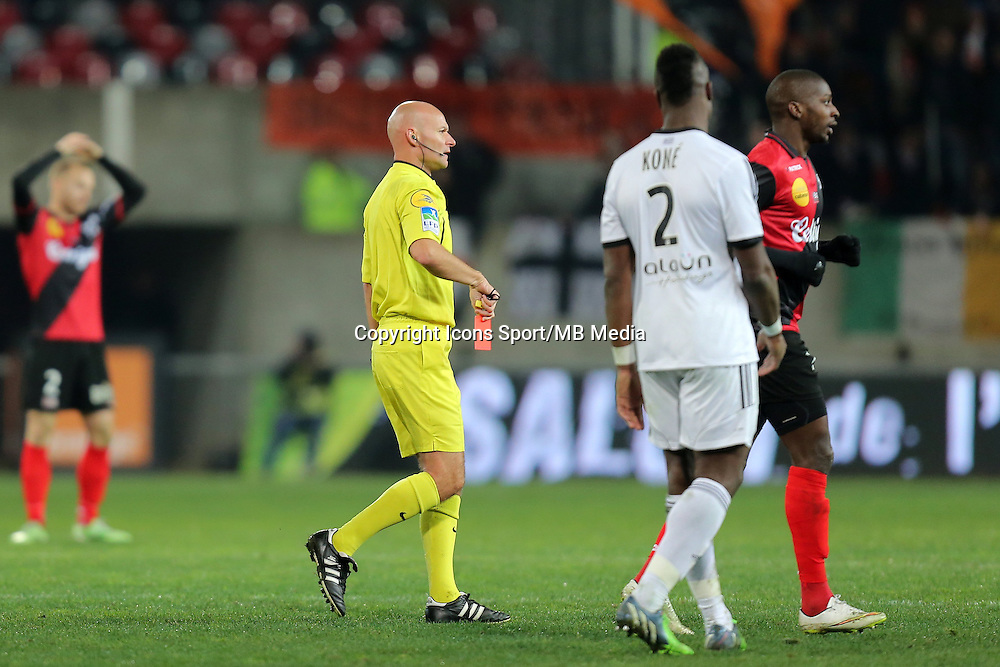 EXPULSION Younousse SANKHARE  - 24.01.2015 - Guingamp / Lorient - 22eme journee de Ligue1<br />