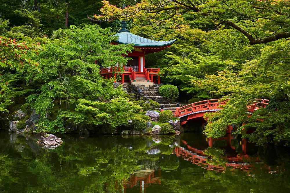 Japon, île de Honshu, région de Kansaï, Kyoto, temple Daigoji, Temple Bentendo // Japan, Honshu island, Kansai region, Kyoto, Daigoji temple, Bentendo temple
