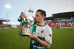 WREXHAM, WALES - Monday, May 2, 2016: The New Saints' goal-scorer Ryan Brobbel celebrates by kissing the trophy after the 2-0 victory over Airbus UK Broughton during the 129th Welsh Cup Final at the Racecourse Ground. (Pic by David Rawcliffe/Propaganda)
