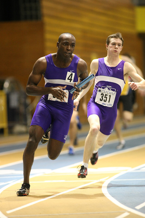 Windsor, Ontario ---13/03/09--- Emeka Ukwuoma of  the University of Western Ontario competes in the 4 X 200 meter relay at the CIS track and field championships in Windsor, Ontario, March 13, 2009..GEOFF ROBINS Mundo Sport Images
