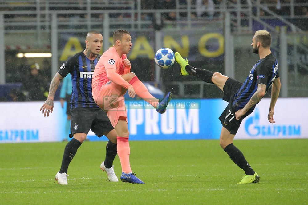 صور مباراة : إنتر ميلان - برشلونة 1-1 ( 06-11-2018 )  20181106-zaa-n230-423