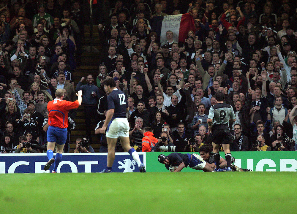 France v New Zealand, Quarter Final 2, IRB Rugby World Cup 2007, Millenium Stadium, Cardiff, Wales, 6th October 2007.