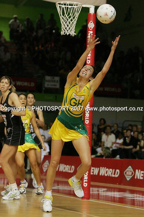 Liz Ellis during the Final of the Netball World Championships between New Zealand & Australia, Auckland, New Zealand, Saturday, Nov. 17 2007. Photo: Chris Skelton/PHOTOSPORT