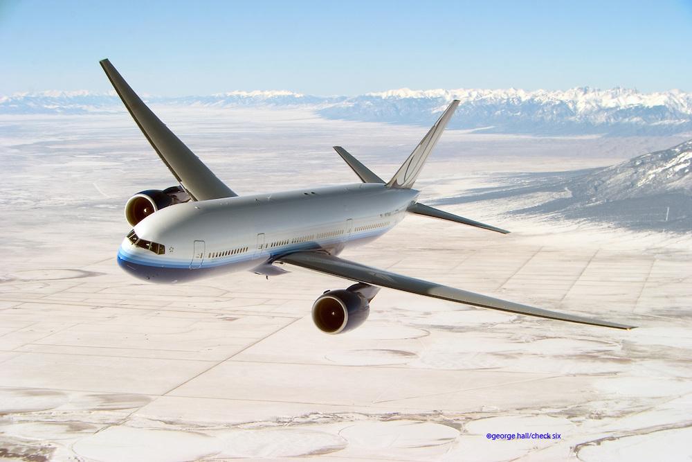 Boeing 777 in flight, 3/4 view