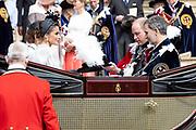 """Koning Willem Alexander wordt door Hare Majesteit Koningin Elizabeth II geïnstalleerd in de 'Most Noble Order of the Garter'. Tijdens een jaarlijkse ceremonie in St. Georgekapel, Windsor Castle, wordt hij geïnstalleerd als 'Supernumerary Knight of the Garter'.<br /> <br /> King Willem Alexander is installed by Her Majesty Queen Elizabeth II in the """"Most Noble Order of the Garter"""". During an annual ceremony in St. George's Chapel, Windsor Castle, he is installed as """"Supernumerary Knight of the Garter"""".<br /> <br /> Op de foto / On the photo: Felipe VI van Spanje / King Felipe VI from Spain and Queen Letizia"""