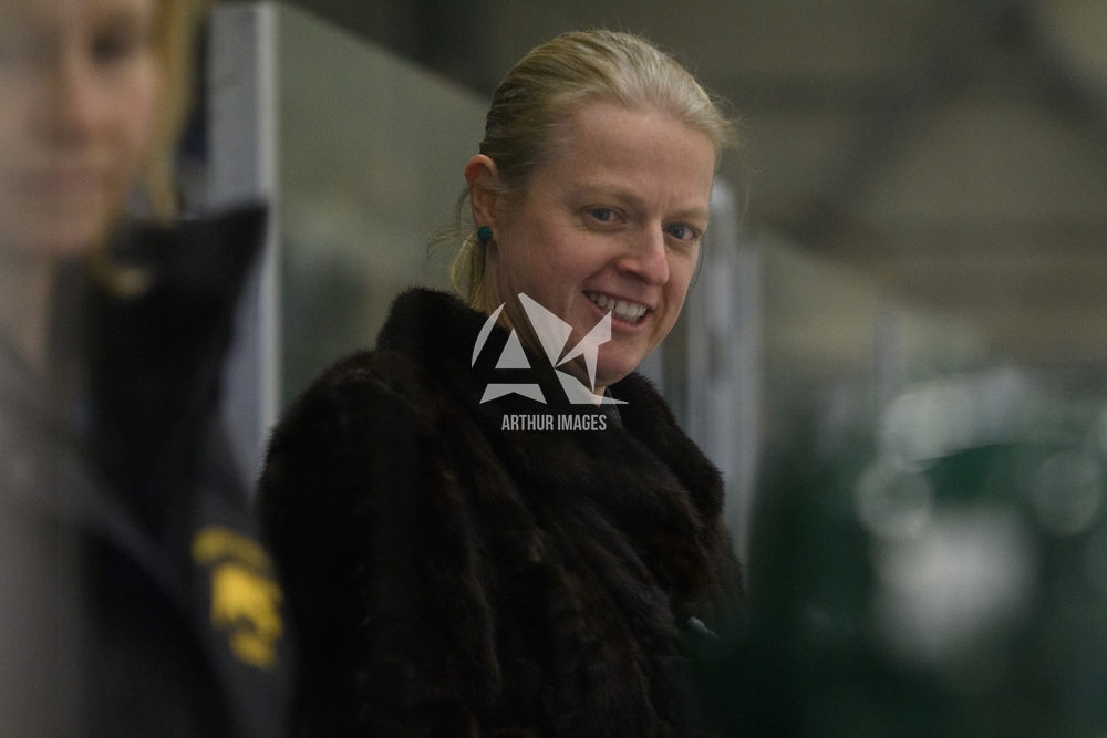 Women's Hockey Head Coach, Sarah Hodges in action during the Women's Hockey home game on February 10 at Co-operators arena. Credit: Arthur Ward/Arthur Images