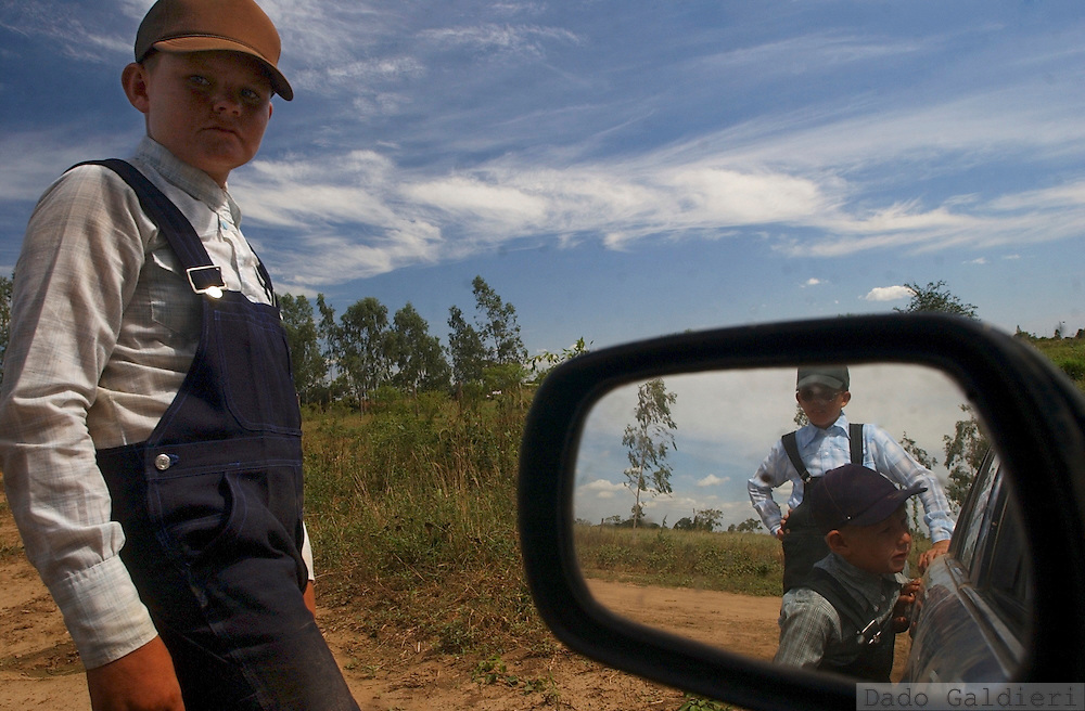 The Mennonites surged from a schism with the Protestant Reform of the XVI century spreading from the original Switzerland to all over the world, always migrating in order to keep their austere way of living. Refusing technology in different grades they arrived in Bolivia in the fifties looking for cheap land and  religious freedom. Then colonized the surrounding area of Santa Cruz de la Sierra, an oil-rich, fertile region known as the Bolivian Chaco.