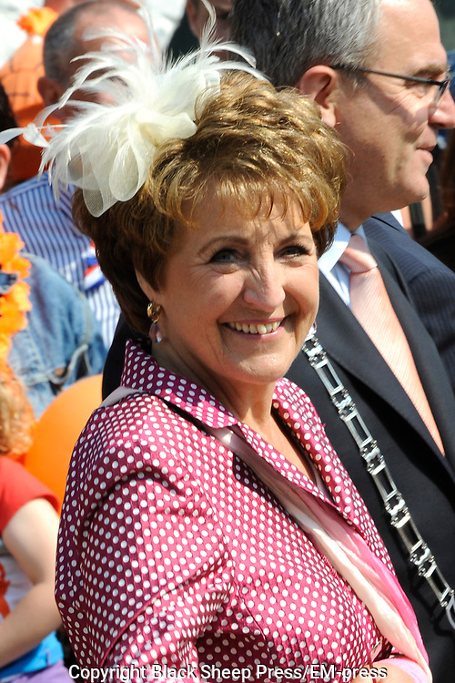 Koninginnedag 2011 in het  Limburgse plaatsjeThorn (witte dorp) // Queen's Day 2011 in the southern of Holland ( Limburg). The Royal family is visiting the small white village Thorn.<br /> <br /> Op de foto / On the photo:  Prinses Magriet