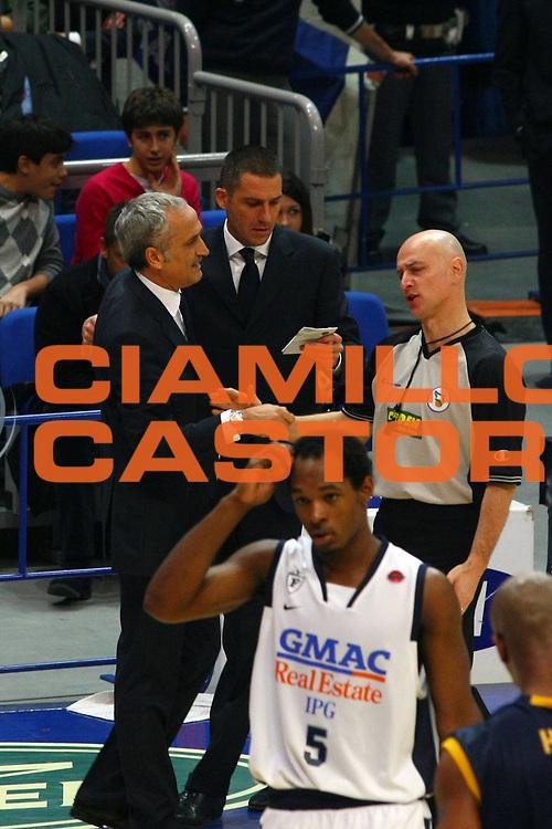 DESCRIZIONE : Bologna Lega A1 2008-09 Gmac Fortitudo Bologna Premiata Montegranaro<br /> GIOCATORE : Cesare Pancotto Luciano Tola<br /> SQUADRA : Gmac Fortitudo Bologna AIAP<br /> EVENTO : Campionato Lega A1 2008-2009 <br /> GARA : Gmac Fortitudo Bologna Premiata Montegranaro<br /> DATA : 08/02/2009 <br /> CATEGORIA : ritratto arbitro referees<br /> SPORT : Pallacanestro <br /> AUTORE : Agenzia Ciamillo-Castoria/M.Minarelli