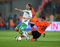 FUSSBALL     UEFA CUP  FINALE  SAISON 2008/2009 Shakhtar Donetsk - SV Werder Bremen 20.05.2009 Torsten Frings (Bremen links) gegen Razvan Rat (Shakhtar rechts)