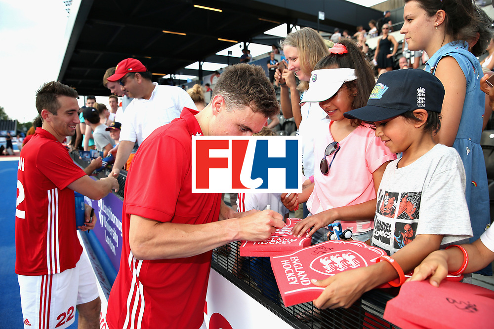 LONDON, ENGLAND - JUNE 18: Harry Martin of England with fans after the Hero Hockey World League Semi Final match between England and Argentina at Lee Valley Hockey and Tennis Centre on June 18, 2017 in London, England.  (Photo by Alex Morton/Getty Images)