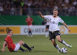 16.06.2011, Bruchwegstadion, Mainz, FIFA WOMENS WORLDCUP 2011, Deutschland (GER) vs. Norwegen (NOR), im Bild Maren Mjelde (Norwegen, Arna-Bjornar) und Alexnadra Popp (Deutschland #11, Duisburg)  waehrend eines Vorbereitungsspiels // during a friendly match on 2011/06/16, Bruchwegstadion, Mainz, Germany. + EXPA Pictures © 2011, PhotoCredit: EXPA/ nph/  Roth       ****** out of GER / SWE / CRO  / BEL ******