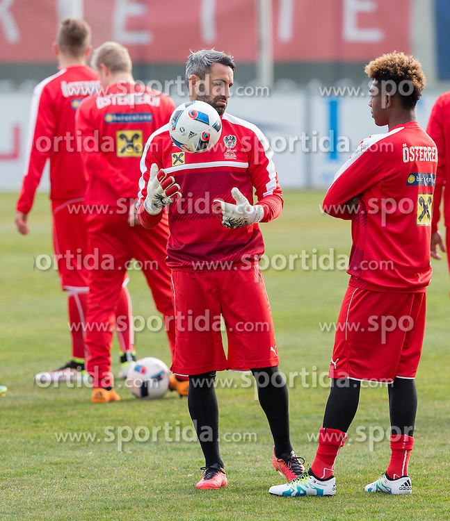 22.03.2016, Sportzentrum, Stegersbach, AUT, OeFB Training, im Bild Ramazan Oezcan (AUT), David Alaba (AUT) // Ramazan Oezcan (AUT), David Alaba (AUT) during a Trainingssession of Austrian National Footballteam at the Sportcenter in Stegersbach, Austria on 2016/03/22. EXPA Pictures © 2016, PhotoCredit: EXPA/ Dominik Angerer