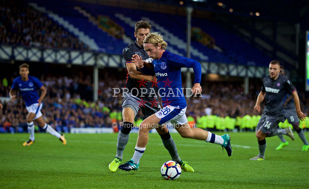 LIVERPOOL, ENGLAND - Thursday, August 17, 2017: Everton's Tom Davies during the UEFA Europa League Play-Off 1st Leg match between Everton and HNK Hajduk Split at Goodison Park. (Pic by David Rawcliffe/Propaganda)