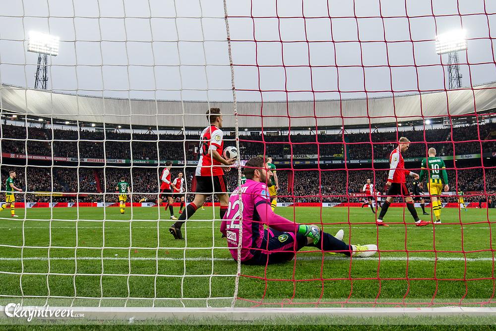 ROTTERDAM - Feyenoord - ADO Den Haag , Voetbal , Seizoen 2017/2018 , Eredivisie , Stadion Feijenoord de Kuip , 28-01-2018 ,  ADO Den Haag keeper Robert Zwinkels zit verslagen op de grond na de 1-0