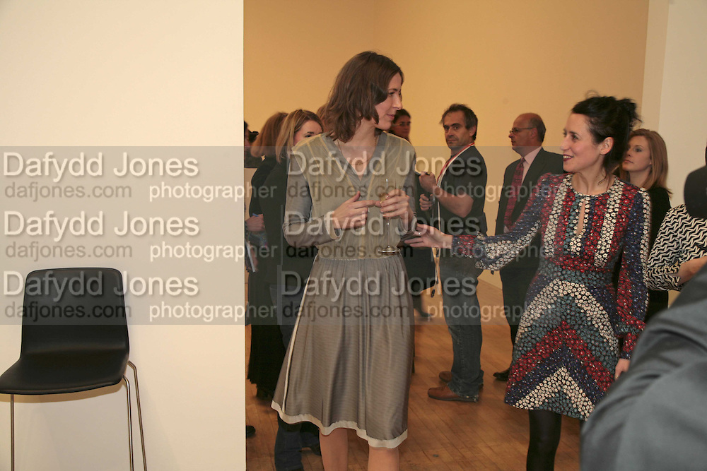 Tomma Abts and Lizzie Carey-Thomas, Turner Prize 2006. Tate Gallery. London. 4 December 2006. ONE TIME USE ONLY - DO NOT ARCHIVE  © Copyright Photograph by Dafydd Jones 248 CLAPHAM PARK RD. LONDON SW90PZ.  Tel 020 7733 0108 www.dafjones.com