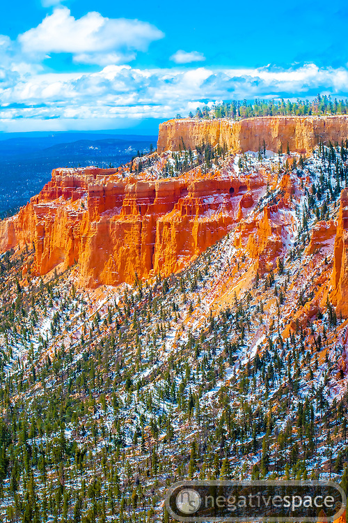 Snow blanketed hoodoos and mesas, Bryce Canyon National Park, Utah
