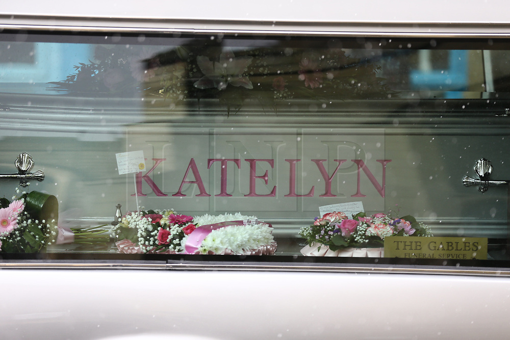 © Licensed to London News Pictures. 31/01/2018. Huddersfield, UK. The coffin of 15-year-old Katelyn Dawson arrives at her funeral that is taking place today at Huddersfield Parish church. Katelyn suffered fatal injuries when a BMW car smashed into a bus stop where she was waiting to go to school on Wakefield Road, Moldgreen, on Wednesday, January 10 2018. Photo credit: Andrew McCaren/LNP