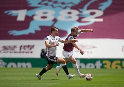 Sander Berge of Sheffield United (L) and Charlie Taylor of Burnley in action - Mandatory by-line: Jack Phillips/JMP - 05/07/2020 - FOOTBALL - Turf Moor - Burnley, England - Burnley v Sheffield United - English Premier League