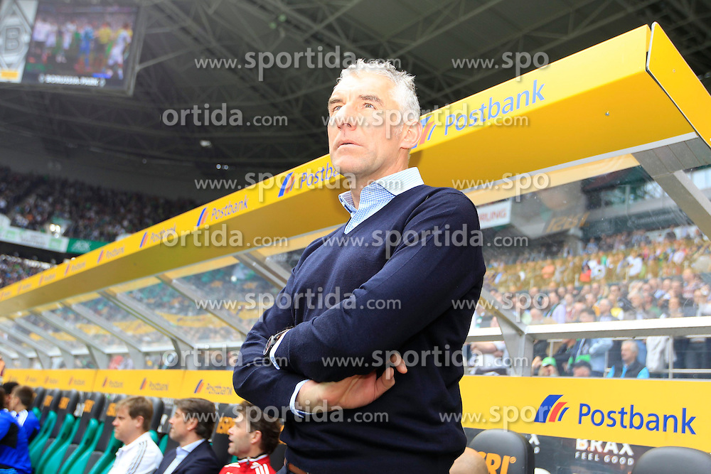 30.03.2014, Eintrachtstadion, Moenchengladbach, GER, 1. FBL, Borussia Moenchengladbach vs Hamburger SV, 28. Runde, im Bild Trainer Mirko Slomka (Hamburger SV) // during the German Bundesliga 28th round match between Borussia Moenchengladbach and Hamburger SV at the Eintrachtstadion in Moenchengladbach, Germany on 2014/03/30. EXPA Pictures &copy; 2014, PhotoCredit: EXPA/ Eibner-Pressefoto/ Schueler<br /> <br /> *****ATTENTION - OUT of GER*****