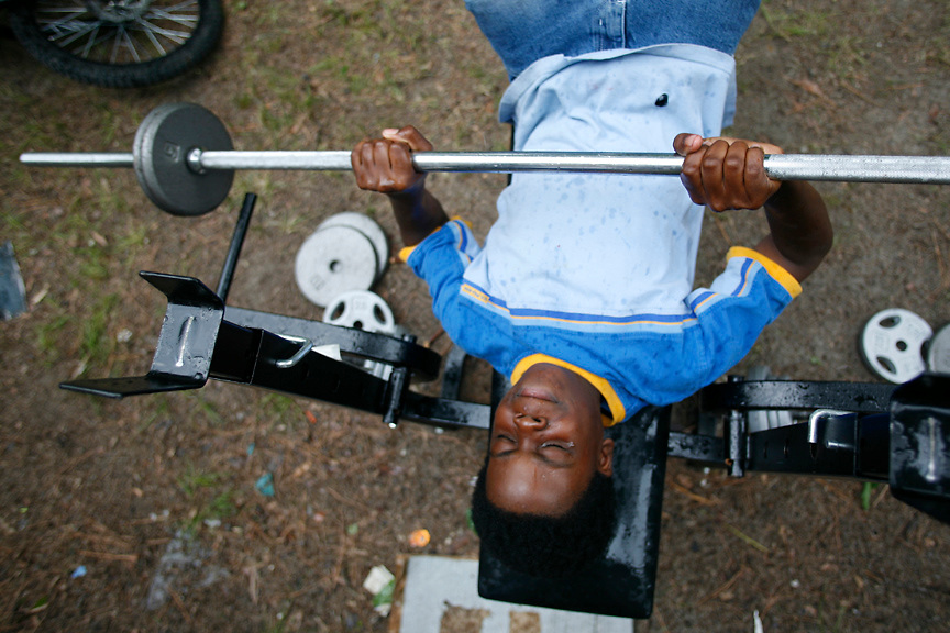 Feeling the weight, Clarksdale, Miss., 2007. <br /> Photo by D.L. Anderson