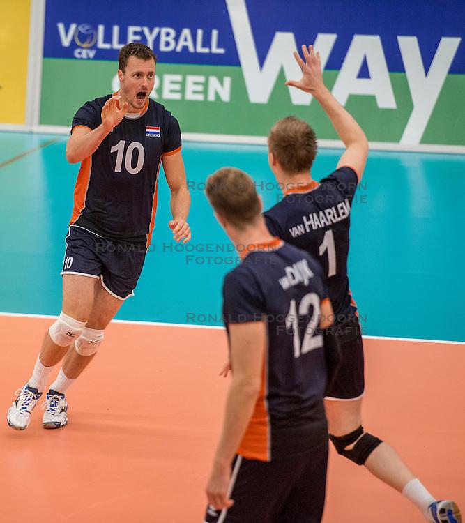 24-09-2016 NED: EK Kwalificatie Nederland - Wit Rusland, Koog aan de Zaan<br /> Nederland verliest de eerste twee sets / Jeroen Rauwerdink #10.