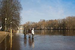 Fishermen, River Eamjõgi, Tartu, Estonia