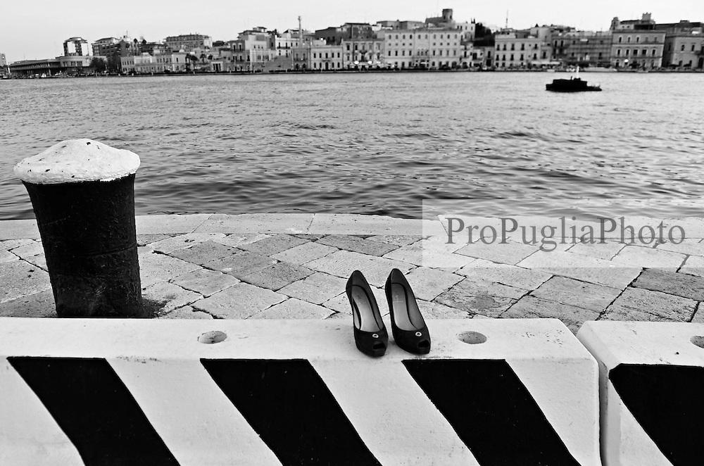 Brindisi. veduta del porto interno, seno di ponente