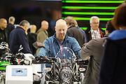 Een man zit met een blij gezicht op een motor. In Utrecht vindt voor de 30e keer de Motorbeurs plaats. De jaarlijkse beurs trekt altijd veel bezoekers die op de nieuwe modellen motoren kunnen zitten. Daarnaast is er ook veel aandacht voor de accessoires. De motorrijder vergrijst, de gemiddelde leeftijd ligt boven de 45, in 2000 was dat nog 39.<br /> <br /> In Utrecht the 30th  Motorbeurs takes place. The annual trade event, always attracts many visitors who can try the new models. There is also a lot of attention to accessories. The motorcyclist ages, the average age is over 45, in 2000 it was 39.