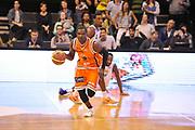 DESCRIZIONE : Treviso Lega due 2015-16  Universo Treviso De Longhi - Aurora Basket Jesi<br /> GIOCATORE : ousmane gueye<br /> CATEGORIA : palleggio contropiede<br /> SQUADRA : Universo Treviso De Longhi - Aurora Basket Jesi<br /> EVENTO : Campionato Lega A 2015-2016 <br /> GARA : Universo Treviso De Longhi - Aurora Basket Jesi<br /> DATA : 31/10/2015<br /> SPORT : Pallacanestro <br /> AUTORE : Agenzia Ciamillo-Castoria/M.Gregolin<br /> Galleria : Lega Basket A 2015-2016  <br /> Fotonotizia :  Treviso Lega due 2015-16  Universo Treviso De Longhi - Aurora Basket Jesi