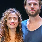 NLD/Amsterdam/20180819 - Premiere Blind Date, Katja Schuurman en Thijs Romer