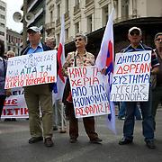 Athens, on the 20th of May 2010, Greek workers and retired people are on a 24H strike to protest against planned pension cuts. Athènes, le 20 Mai 2010, Grève générale de 24H et manifestation contre la réforme des retraites.
