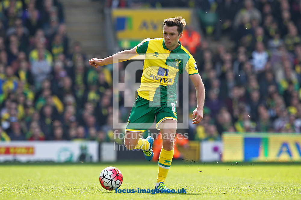 Jonny Howson of Norwich in action during the Barclays Premier League match at Carrow Road, Norwich<br /> Picture by Paul Chesterton/Focus Images Ltd +44 7904 640267<br /> 02/04/2016