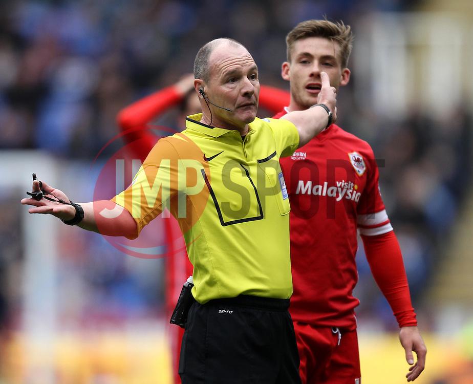 Referee Scott Duncan - Photo mandatory by-line: Robbie Stephenson/JMP - Mobile: 07966 386802 - 04/04/2015 - SPORT - Football - Reading - Madejski Stadium - Reading v Cardiff City - Sky Bet Championship