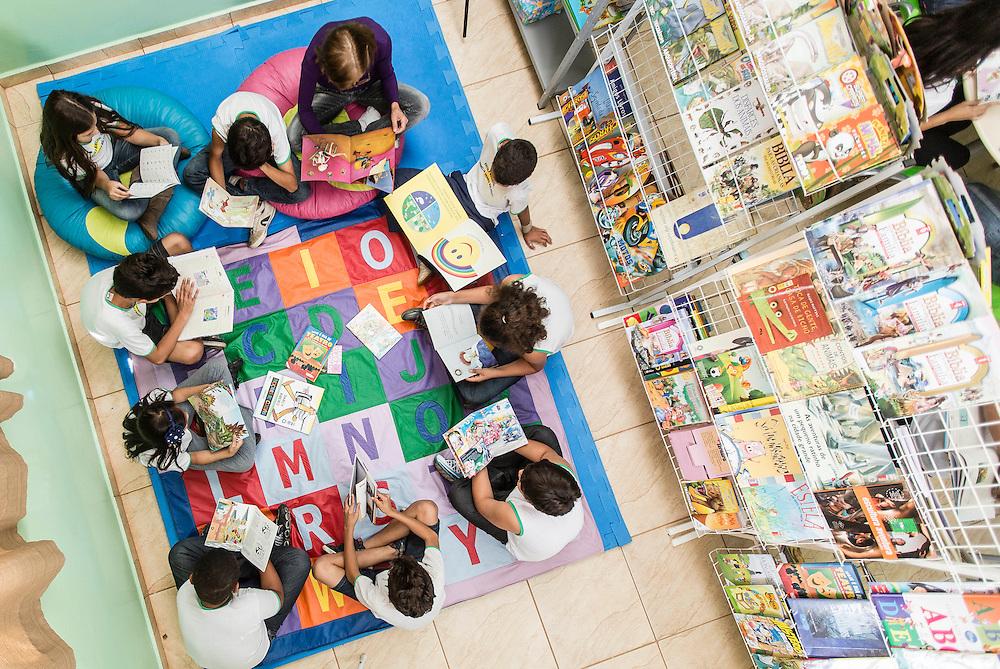 Itau de Minas_MG, Brasil.<br /> <br /> Alunos da Escola Municipal CARMELIA DRAMIS MALAGUTI, A escola foi a campea na prova do Ideb desse ano, no ensino fundamental, anos iniciais em Itau de Minas, Minas Gerais.<br /> <br /> Students of the Municipal School CARMELIA DRAMIS MALAGUTI, The school was the winner in the Ideb test in this year in elementary education, early years in Itau de Minas, Minas Gerais<br /> <br /> Foto: LEO DRUMOND / NITRO